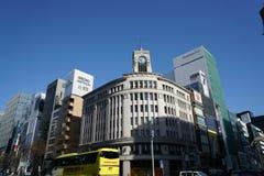 Gebäude in Ginza, Tokyo, morgens Stockfotografie