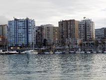 GEBÄUDE IM DOCK-Ein-Hafen von Màlaga-Andalusien-Spanien Stockbilder