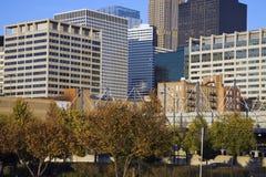 Gebäude in im Stadtzentrum gelegenem Chicago Stockbild