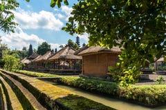 Gebäude innerhalb Pura Taman Ayuns in Bali, Indonesien lizenzfreie stockbilder