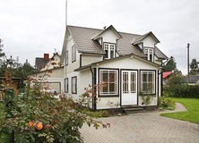 Gebäude in Jurmala-Stadt lettland lizenzfreies stockbild