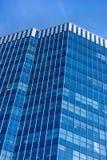 Gebäude mit Blick auf den Himmel lizenzfreie stockfotos