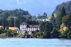 Gebäude nahe dem Lucerne See stockbilder