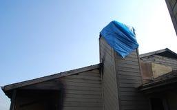 Gebäude oben gebrannt und eingestiegen Stockbilder