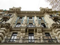 GEBÄUDE, RIGA, LETTLAND Lizenzfreie Stockfotos