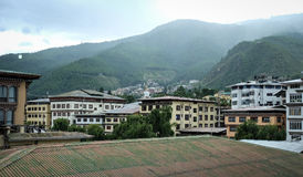 Gebäude am Stadtzentrum in Thimphu, Bhutan Stockbild