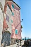 Gebäude in Tellaro, Italien Stockbilder