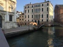 Gebäude und Brücke in Venedig Lizenzfreies Stockfoto