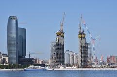 Gebäude und Markstein Costruction, Baku, Aserbaidschan stockbilder