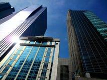 Gebäude und Wolkenkratzer in Ayala, makati Stadt, Philippinen lizenzfreie stockbilder