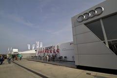 Gebäude von Audi auf dem DTM-Autorennen lizenzfreie stockfotografie