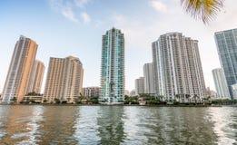 Gebäude von Brickell-Schlüssel in Miami, Florida - USA lizenzfreies stockbild