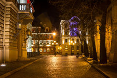 Gebäude von Latvian Saeima in altem Riga - berühmte europäische Stadt, in dem Touristen eine einzigartige Atmosphäre finden könne stockbild