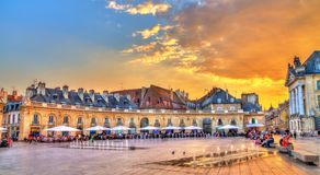 Gebäude vor dem herzoglichen Palast in Dijon, Frankreich stockfotos