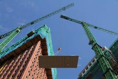 Gebäude-Wohnungen in einem hohen Gebäude Stockfoto
