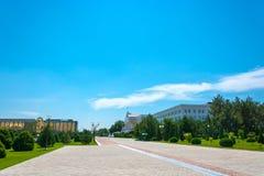Gebäudeansicht der Regierung von Usbekistan und von Minute Stockfotografie