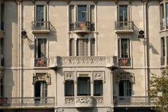 Gebäudefassade in Barcelona lizenzfreies stockbild