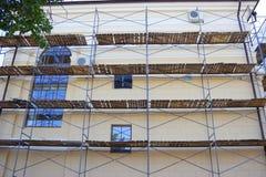 Gebäudefassadenerneuerung lizenzfreie stockfotografie