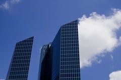 Gebäudehimmel Lizenzfreie Stockbilder