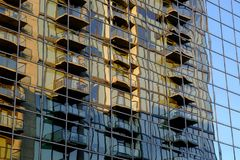 Gebäudereflexion in L A - Muster/Beschaffenheit stockfoto