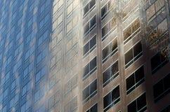 Gebäudereflexion in L A - Muster/Beschaffenheit stockbilder