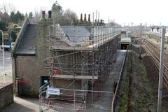Gebäudereparaturarbeit an Bahnhof Carnforth Lizenzfreies Stockfoto