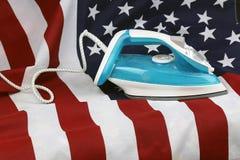 Gebügelte zerknitterte US-Flagge lizenzfreies stockfoto