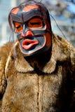 Gebürtiger indischer Mann im traditionellen Kostüm Stockfotografie