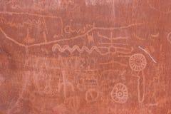 Gebürtiges indianisches Schreiben auf Felsen Stockfotografie