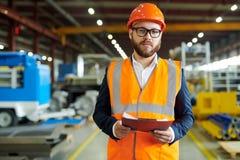Gebaarde Bedrijfsleider bij Fabriek stock afbeeldingen