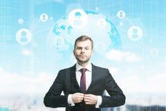Gebaarde zakenman en woord met netwerk Stock Afbeeldingen