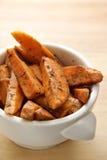 Gebackene Herbed süße Kartoffel Lizenzfreie Stockfotografie