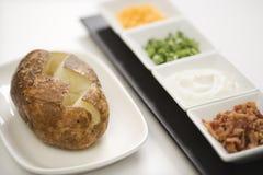 Gebackene Kartoffel mit Spitzen. Lizenzfreie Stockfotografie