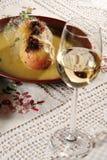 Gebackener Apfel und Wein Stockfotografie
