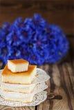 Gebackener Pudding des Hüttenkäses, Lizenzfreie Stockfotos