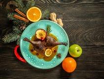 Gebackenes Entenbein auf Chinesisch Danksagung oder Weihnachtsessen Beschneidungspfad eingeschlossen Platz f?r Text stockbild