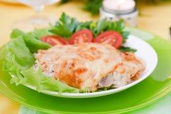 Gebackenes Fleisch mit Pilzen Lizenzfreies Stockfoto