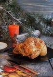 Gebackenes Huhn für Weihnachten lizenzfreie stockfotografie