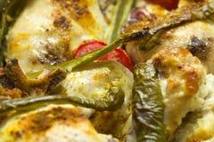 Gebackenes Huhn mit Pfeffern und Tomaten Lizenzfreies Stockbild