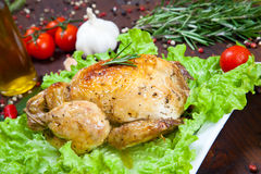 Gebackenes Huhn mit Salat Lizenzfreie Stockfotografie