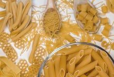 Gebakje, conceptenfoto in de keuken; macaroni stock afbeeldingen