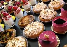 Gebakjes en desserts Stock Fotografie