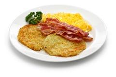 Gebakken aardappelen, roereieren en bacon royalty-vrije stock afbeeldingen