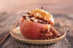 Gebakken appel met fruit royalty-vrije stock afbeeldingen