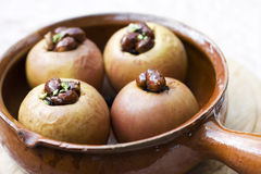 Gebakken appelen die met noten worden gevuld Royalty-vrije Stock Afbeelding