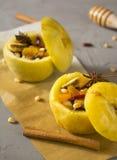 Gebakken appelen met kaneel Royalty-vrije Stock Fotografie
