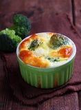 Gebakken broccolisoufflé Stock Afbeeldingen