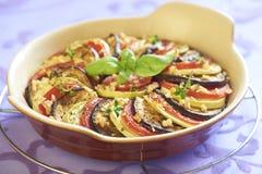 Gebakken groenten met knoflook en kruiden royalty-vrije stock afbeeldingen