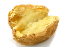 Gebakken jasjeaardappel met boter op wit Royalty-vrije Stock Afbeeldingen
