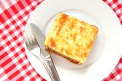 Gebakken macaroni met kaas en vlees Stock Fotografie